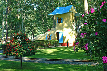 The Old Lady Who Lived in a Shoe (photo credit: Storybook Land)
